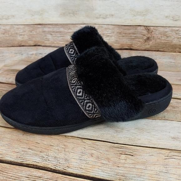 Black fur isotoner slippers 7.5/8